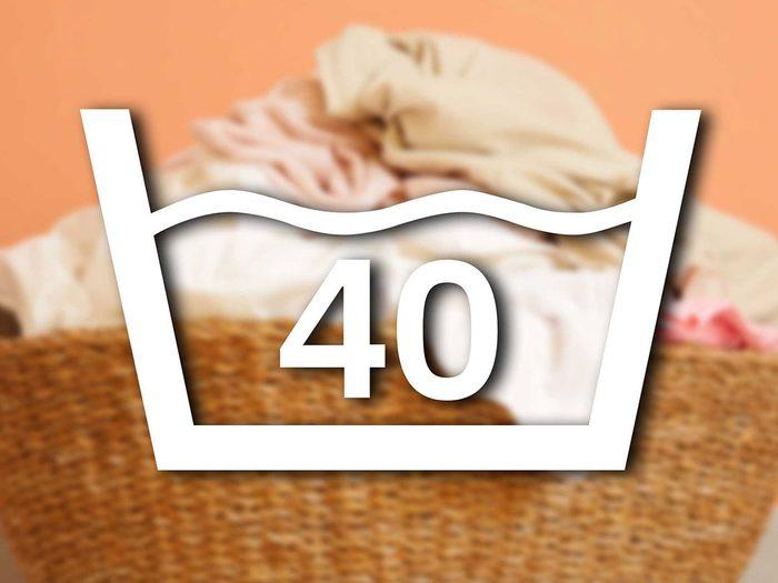 Reconnaître le signe du lavage à 40 degrés parmi les symboles de lavage.