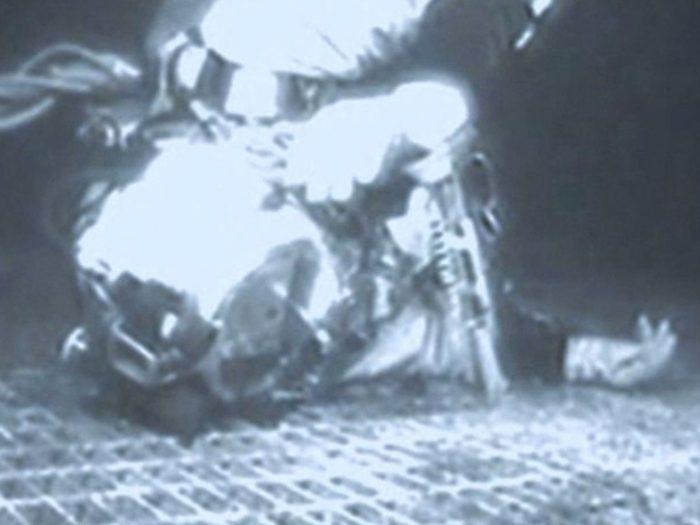 Témoignage: le sous-marin téléguidé du Topaz a renvoyé des photos de l'homme gisant sur la grille de métal.