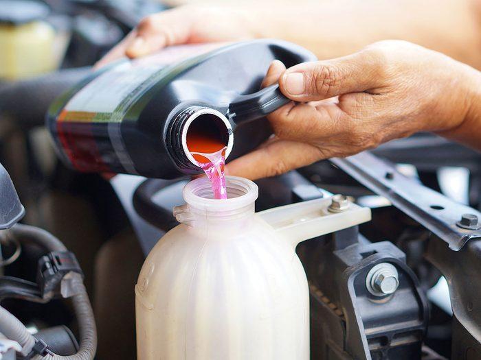 Ne jamais utiliser un liquide de refroidissement ou un antigel non recommandés pour sa voiture.
