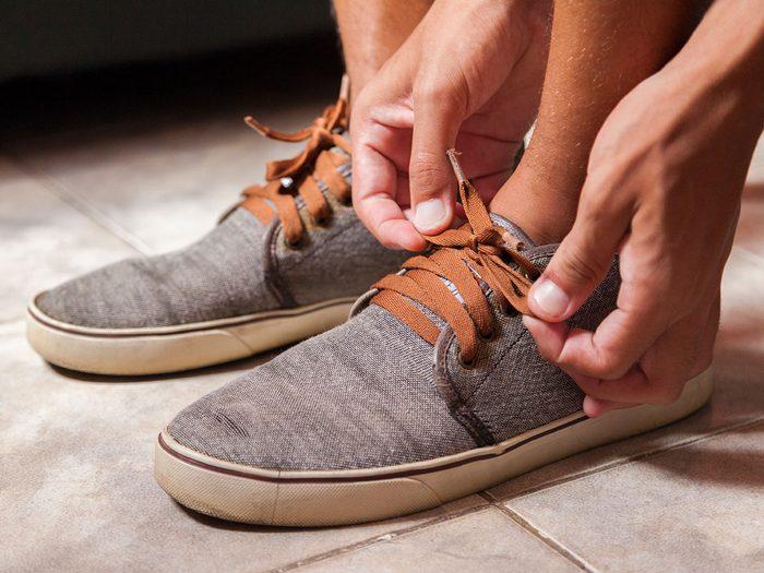 Soyez attentif à vos chaussures pour la santé de votre cœur.