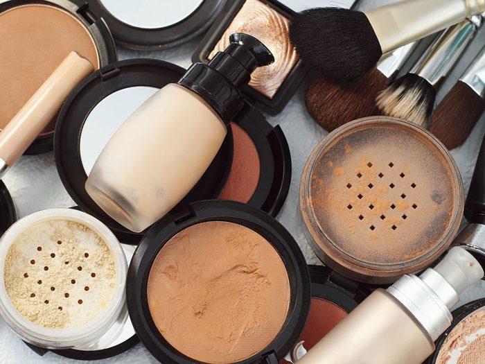 Maquillage périmé: plus un produit est vieux, moins il est efficace.