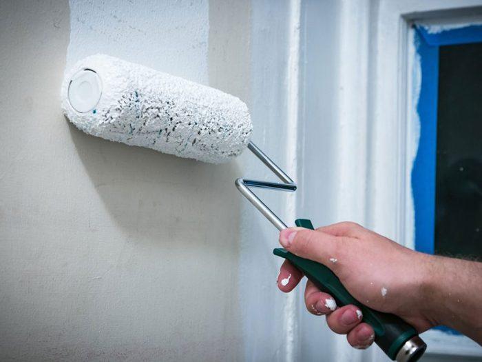 Des projets de rénovation à réaliser soi-même tels que les réparations et l'apprêt.