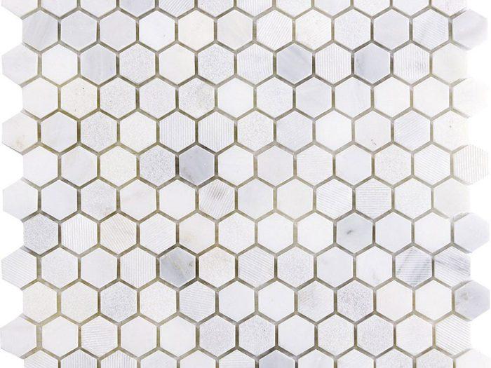Des projets de rénovation à réaliser soi-même tels que la tuile mosaïque.